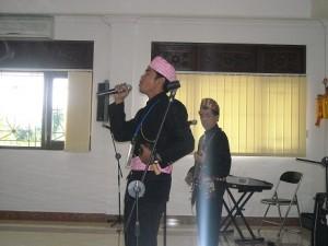 Wayan Agus & Agus Widodo Latihan Cipta Lagu Rohani Kontemporer